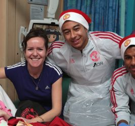 MUFC stars spread more festive cheer at the Children's Hospital
